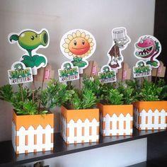 Resultado de imagen para centros de mesa de plants vs zombies Kids Zombie Party, Zombie Birthday Parties, Leo Birthday, 5th Birthday Party Ideas, Plants Vs Zombies, Plantas Versus Zombies, Plant Zombie, Ideas Para Fiestas, Crafts To Do