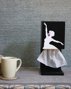 Креативная подставка для салфеток http://www.prohandmade.ru/other/kreativnaya-podstavka-dlya-salfetok/  #креатив #салфетки #подставкадлясалфеток #балерина