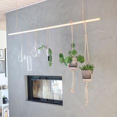 Jeg har været kreativ og lavet et planteophæng til min grønne herligheder? Har lagt en DIY ud på bloggen til Jer. #fornydinbolig #planter #planteophæng