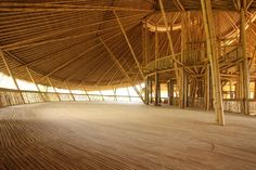 Have you ever seen a school made entirely out of bamboo? The Green School in Bali is unusual in a number of ways, from its sustainable curriculum to the degree of freedom enjoyed by the students, but it is the structures themselves that are often the cent Bamboo Architecture, Tropical Architecture, Sustainable Architecture, Sustainable Design, Amazing Architecture, Architecture Design, Japanese Architecture, Ancient Architecture, Bamboo Building