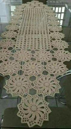 Free Patterns Archives - Beautiful Crochet Patterns and Knitting Patterns Filet Crochet, Crochet Diy, Crochet Chart, Crochet Home, Thread Crochet, Crochet Stitches, Crochet Ideas, Crochet Table Runner Pattern, Crochet Doily Patterns