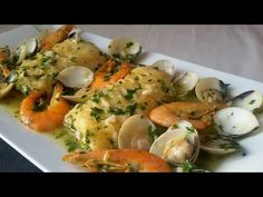 Merluza en salsa verde con langostinos y almejas - YouTube Seafood Dishes, Fish And Seafood, Seafood Recipes, Mexican Food Recipes, Cooking Recipes, Ethnic Recipes, Salsa Verde, Tasty, Yummy Food