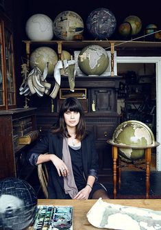 A failed attempt at finding a well crafted globe, a gift for his father, was the inspiration behind Peter Bellerby's year and a half long journey to master the art of making artisanal globes – a craft that is so extremely difficult,… Globe Art, Map Globe, Desk Globe, World Globes, Star Chart, Golden Globes, Snow Globes, Vintage Maps, Studio