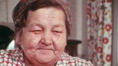 """""""Puukon pitää olla terävä, jos mielii nahan halkaista ja pahan veren porrauttaa pois"""", sanoo kupparimummo Anni Hynynen Nilsiästä. Erityinen teho kuppausveitseen saadaan, jos veitsi valmistusvaiheessa karkaistaan aviottoman ensisynnyttäjän maidossa."""