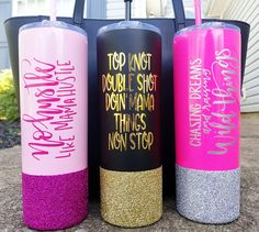 Tumbler Quotes, Mom Tumbler, Tumbler Cups, Diy Tumblers, Custom Tumblers, Sharpie Tie Dye, Glitter Cups, Cute Crafts, Vinyl Projects