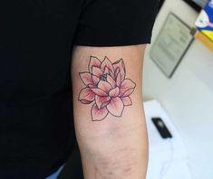 Lotus tatuering: Betydelse, design, historia och foton Lotus Tattoo, Flower Tattoos, Flowers, Design, Popular, History, Tattoos Of Flowers, Floral Tattoos, Most Popular