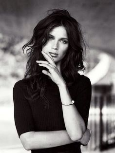 she has that super-effortless look that is universally gorgeous (Marine Vacth)