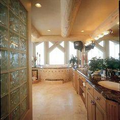 6bd/5.5 Bath Private Telluride Vacation Rental Log Home Master Bath.  VRBO.com》Listing # 143119.  Phone # 949-715-3700