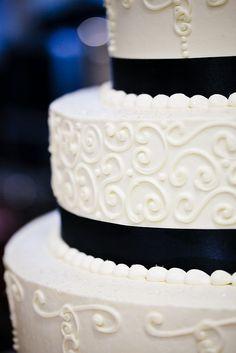 Scroll/T Design. A Spoon Fulla Sugar, Wedding Cakes, Cincinnati