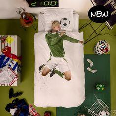 Voetballer dekbedovertrek (1p) -SNURK https://www.livingdesign.be/nl/producten/detail/voetballer-dekbedovertrek-1p-snurk