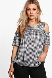boohoo Plus Zoe Gingham Cold Shoulder Ruffle Top Blouse Styles, Blouse Designs, Ruffle Top, Ruffle Blouse, Cute Blouses, Wardrobes, Casual Wear, Plus Size Outfits, Gingham