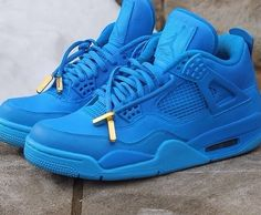 "Jordan 4 ""blue out"" a dope custom"