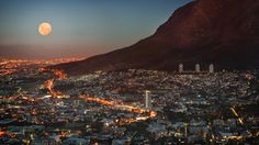 Full moon over Cape Town city bowl - Table Mountain at the right - South Africa Lonely Planet, Cape Town South Africa, South Korea, Table Mountain, Sky Mountain, Belle Villa, Africa Travel, Places To See, Travel Destinations