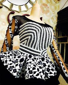 Checkout Statement Ankara Peplum Tops - Ankara collections brings the latest high street fashion online Ankara Peplum Tops, Ankara Blouse, Ankara Dress, African Blouses, African Lace Dresses, African Fashion Ankara, African Print Fashion, African Prints, African Attire