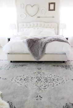 Grey and White Bedroom Rug. Grey and White Bedroom Rug. Diy Bedroom Ideas for Girls Boys Furniture Master Bedroom Interior, White Bedroom, Bedroom Decor, Bedroom Rugs, Master Bedrooms, Bedroom Ideas, Bedroom Inspiration, Bedroom Inspo, White Headboard