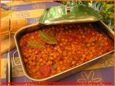 Baked chickpeas with tomato sauce and sausage Greek Recipes, Veggie Recipes, My Recipes, Recipies, Cooking Recipes, Food N, Food And Drink, English Food, English Recipes