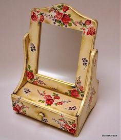 bibidekoracie / Nostalgické zrkadiellko so zásuvkou