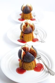 Pumpkin Downcakes Topped with Bleeding Figs. We had a dessert similar to this the night Jeremy proposed. Köstliche Desserts, Health Desserts, Plated Desserts, Delicious Desserts, Dessert Recipes, Yummy Food, Food Design, Dessert Design, Fig Dessert