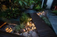 Hinterhof exotische Sukkulenten Steingarten LED Beleuchtung