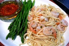 Shrimp Scampi With Linguini. Photo by Mikekey