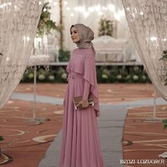 Ideas for skirt outfits modest maxi Hijab Prom Dress, Hijab Gown, Kebaya Hijab, Hijab Evening Dress, Hijab Style Dress, Kebaya Dress, Dress Pesta, Hijab Wedding Dresses, Long Bridesmaid Dresses