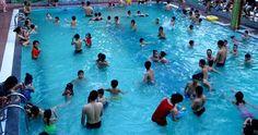 Danh sách địa chỉ và giá vé các trung tâm bể bơi 4 mùa tại quận Đống Đa Hà Nội. Thể Thao Kim Thành sẽ chia sẻ cho bạn.  Thể Thao Kim Thành là cơ sở chuyên cung cấp các dụng cụ kính bơi mũ bơi giá tốt. Chuyên phân phối cho các trung tâm bể bơi bốn mùa các mẫu kính bơi nhiều chủng loại và chất lượng nhất. Để các bạn có thể nhanh chóng tìm cho mình các bể bơi bốn mùa giá chính xác nhất. Chúng tôi sẽ liệt kê giá vé và địa chỉ cụ thể để khách hàng tham khảo các trung tâm bơi bốn mùa tại Hà Nội…