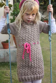 Knitmandu: Snowflake sweater fra Paelas som kjole...