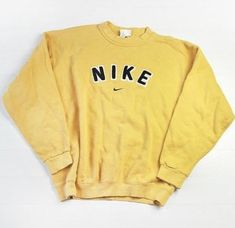 Vintage Nike Yellow Sweater/Jumper 2019 Vintage Nike Yellow Sweater/Jumper The post Vintage Nike Yellow Sweater/Jumper 2019 appeared first on Sweaters ideas. Teen Fashion Outfits, Nike Outfits, Retro Outfits, Grunge Outfits, Vintage Outfits, Fashion Vintage, Grunge Look, 90s Grunge, Grunge Style
