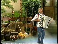 Christa Behnke Im Hühnerstall Schlager Parade Baden Baden Sept 2000 - YouTube
