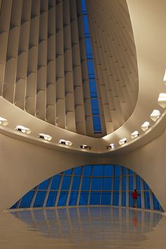 Interior of Milwaukee Art Museum, Santiago Calatrava