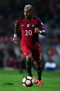 720839a2b0 Ricardo Quaresma Photos - Ricardo Quaresma of Portugal runs with the ball  during the FIFA 2018
