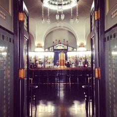 American Bar in the Municipal House, next to Namesti Republiky Prague Nightlife, Art Nouveau, Men Stuff, Restaurant Bar, Night Life, 1920s, Restaurants, American, House