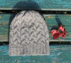 roventa-handmade, knit, knit wear, hat, knitting, шапка, вязаная шапка, шапка спицами, купить шапку в красноярске, шапочка с помпоном, шапка с косами
