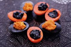 Halloween Deviled Eggs – Diary of a Mad Hausfrau - - These Black and Orange Halloween Deviled Eggs are much easier to creat than they look. A delicious a dramatic addition to your Holloween menu. Colored Deviled Eggs, Avocado Deviled Eggs, Best Deviled Eggs, Deviled Eggs Recipe, Halloween Deviled Eggs, Thanksgiving Deviled Eggs, Thanksgiving Food, Halloween Party Appetizers, Halloween Foods