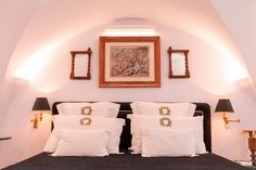 The Tisouras Collection photo & video gallery from the Luxury Suites in Firostefani, Santorini Santorini Hotels, Beautiful Hotels, Beautiful Architecture, Bed Pillows, Greece, Photo And Video, Boutique, Luxury, Gallery