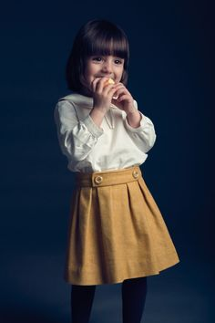 I want this skirt in an adult version. Kelly skirt without the buttons?