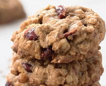 oatmeal and flax cranberry cookies (king arthur flour): traditional cookie recipe that calls for white whole wheat flour, flax meal, and flax seeds Cookie Desserts, Cookie Recipes, Dessert Recipes, Flour Recipes, Holiday Desserts, Delicious Desserts, Yummy Food, Cranberry Cookies, Christmas Baking