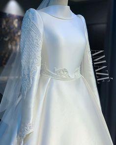 Classy Wedding Dress, Modest Wedding Dresses, Bridal Dresses, Wedding Prep, Dream Wedding, Muslimah Wedding Dress, English Vocabulary, Muslim Fashion, Traditional Dresses