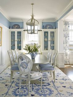 blue and white dining room | Austin Patterson Disston Architects
