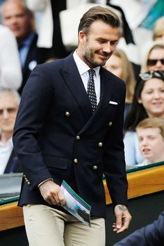 David & Victoria Beckham Dress Up for Wimbledon Men's Finals!: Photo David and Victoria Beckham make their way to their seats in the Royal Box while attending the Men's Singles Final match at the Wimbledon Lawn Tennis Championships… David Beckham Photos, David Beckham Style, David Beckham Suit, David Beckham Wimbledon, Men Formal, Formal Wear, Mens Fashion Suits, Mens Suits, David And Victoria Beckham