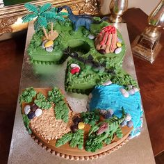 Dinosaur Birthday, 3rd Birthday, Birthday Cakes, Mortar And Pestle, Custom Cakes, Avocado Toast, Logan, Shapes, Breakfast