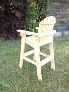 Great handmade wooden Directors Chair, perfect on your deck or back patio - Pallet Furniture Project Pallet Furniture, Rustic Furniture, Outdoor Furniture, Furniture Ideas, Yard Furniture, Furniture Design, Adirondack Chairs, Outdoor Chairs, Outdoor Decor