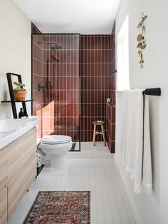 Home Remodel Fixer Upper Lauren and Chase's Master Bathroom Remodel Reveal - The Effortless Chic.Home Remodel Fixer Upper Lauren and Chase's Master Bathroom Remodel Reveal - The Effortless Chic Bad Inspiration, Bathroom Inspiration, Bathroom Ideas, Bathroom Organization, Bathroom Designs, Bathroom Storage, Bathroom Cleaning, Bath Ideas, Budget Bathroom