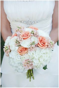 Vintage Chic Wedding Bouquet - the dress is pretty too! Chic Wedding, Perfect Wedding, Our Wedding, Dream Wedding, Wedding Rustic, Wedding Vintage, Rustic Weddings, Vintage Weddings, Indian Weddings