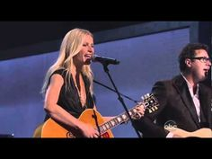 Pin for Later: What Happens When Hollywood and Country Collide And Turning Actors Into Actual Musicians Acid Jazz, Cma Awards, Country Strong, Good Smile, Keith Urban, Gwyneth Paltrow, Coming Home, Hollywood Stars, Country Music