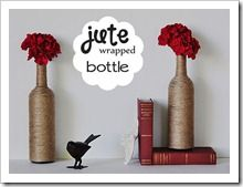 How to make special flower vase with recycled bottle step by step DIY instructions,another way to use jute :) Jute, Wine Craft, Wine Bottle Crafts, Beer Bottle, Bottle Vase, Crafts To Do, Home Crafts, Diy Crafts, Burlap Crafts