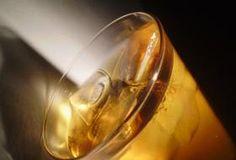 Jak na detoxikaci organismu pomocí jablečného octa Cancer, Full Moon, Lava Lamp, Light Bulb, Detox, Smoothie, Recipies, Drinks, Beverages