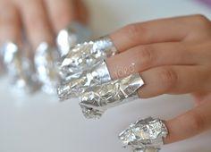 Comment enlever le vernis à paillettes ? - Articles - We Love Nail Art - Gemey Maybelline