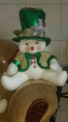 Snoopy Christmas, Christmas Animals, Christmas Candy, Kids Christmas, Christmas Crafts, Christmas Ornaments, Snowman Crafts, Felt Crafts, Diy And Crafts