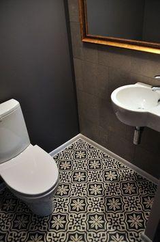 18 Amazing Bathroom Decor Ideas for 2019 That You Can't Miss Bathroom Floor Tiles, Bathroom Toilets, Downstairs Bathroom, Small Bathroom, Master Bathroom, Small Toilet Room, Guest Toilet, Bad Inspiration, Bathroom Inspiration